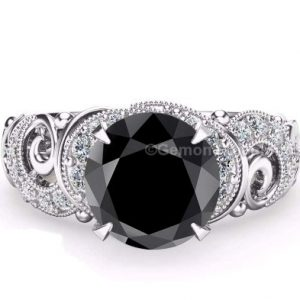 Claw prong diamond ring
