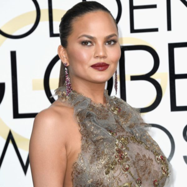 Chrissy Teigen The Golden Globes 2017 Best Jewelry Moments