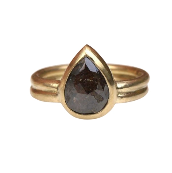 pear cut ring