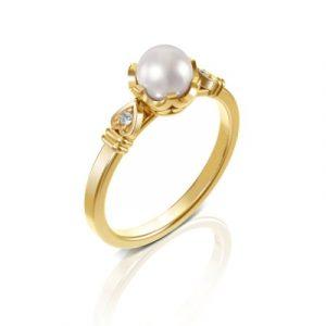 yellow gold diamond pearl ring