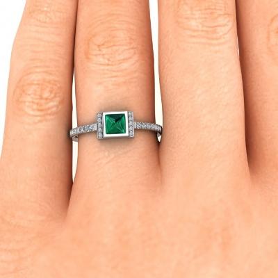 princess cut emerald and diamond ring