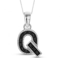 black diamond Q initial pendant