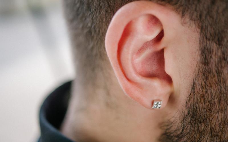 men stud earring